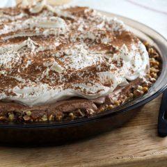 No-Bake Mocha Cheesecake Pie